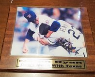 Nolan Ryan vs Robin Ventura Pitcher Fight Texas Rangers Baseball Mound Bat MLB Photo 8x10 Plaque in Kingwood, Texas