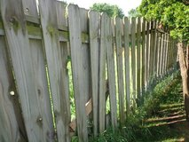 Weathered Fencing in Glendale Heights, Illinois
