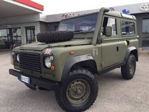 1987 Land Rover Defender in Vicenza, Italy