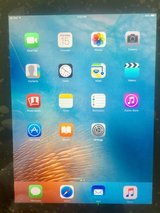 Apple iPad 2 3G 64gb in Okinawa, Japan