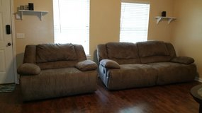Recliner couch set in Hinesville, Georgia