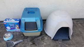 Igloo Cat House, Dome Cat Litter& etc.($40.00 everything ( in Travis AFB, California