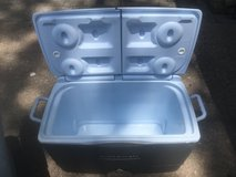 Ice chest-Very clean and nice.  This a handle four easy transport. in Kingwood, Texas
