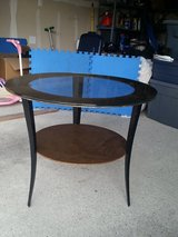 Accent Table/End Table in Tacoma, Washington
