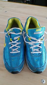 Womens Nike shoes size 10 in DeRidder, Louisiana