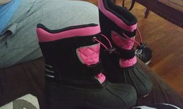 Size 12 snow boots in Fort Riley, Kansas