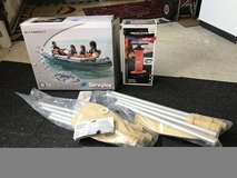 NIB Inflatable Canoe with new Pump and new paddles in Stuttgart, GE