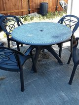 outdoor table in Vacaville, California