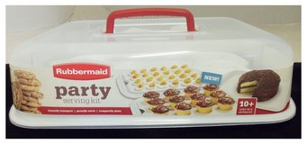 Rubbermaid Cupcake Platter, Party Serving Kit in Travis AFB, California