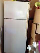 Hot point Frostfree Fridge in Vacaville, California