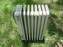Kenwood hot oil heater. Excellent condition. Digital settings. in Fort Polk, Louisiana