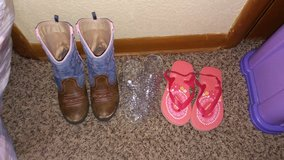 Girls 11 and 12 shoes in Fort Riley, Kansas