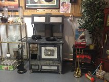 Cast iron wood cook stove in Dover, Tennessee