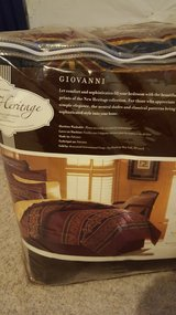 Giovanni queen 8 piece bed in a bag in Fort Carson, Colorado