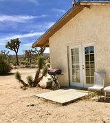 Private Guest House Furnished on quiet property - convenient to all - dogs ok in Yucca Valley, California