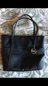 Authentic Michael Kors purse in Travis AFB, California