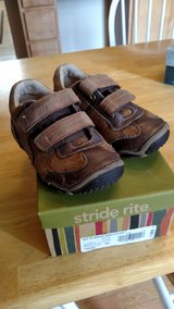 Toddler boy brown shoes Size 9 Wide in Chicago, Illinois