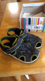 Toddler boy sandals size 9 wide in Chicago, Illinois