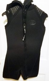 Wetsuit men's small  $30 in Chicago, Illinois