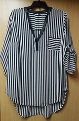 Striped blouse - 1X-2X $6 in Okinawa, Japan