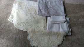 Lace tablecloths, runners, doilies, etc in Glendale Heights, Illinois