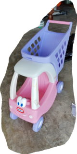 Little tikes shopping cart, Pink. in Fort Bragg, North Carolina