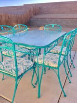 Patio Table & Chairs in 29 Palms, California