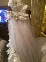 Wedding dresses for sale if interested please contact me 4785089907 in Warner Robins, Georgia