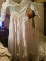 Wedding dresses for sale if interested please contact me at 4785089907 in Warner Robins, Georgia