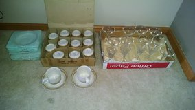 Glassware/Cups & Saucers in Shorewood, Illinois