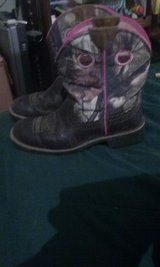 Arias pink camo boots in Fort Rucker, Alabama