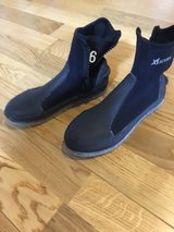 Dive Boots Size 6 in Okinawa, Japan