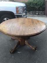 48inch Oak round table in Vacaville, California