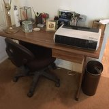 desk/chair in Pearland, Texas
