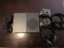 500gb Xbox1/2 headsets/2controllers in Fort Bragg, North Carolina