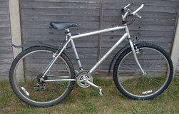 RALEIGH VOYAGER 21 SPEED in Lakenheath, UK