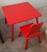 Kids table and chair in Alamogordo, New Mexico