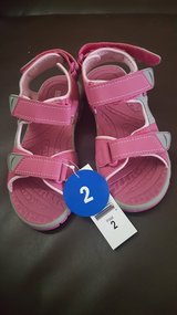 New girl sandals size 2 in 29 Palms, California