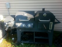 Double Grill gas or charcoal in Camp Lejeune, North Carolina
