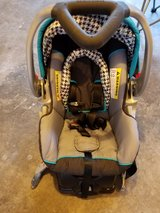 Baby Trend Infant Carseat in Tacoma, Washington