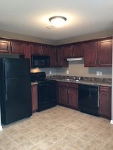 BEAUTIFUL 2 Bed 1.5 Bath Townhouse!! in Fort Campbell, Kentucky