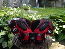 Tag shoulder pads in Glendale Heights, Illinois