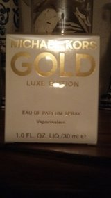 Michael Kors Gold Luxe Edition Perfume 1.0 FL.OZ in Houston, Texas