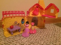 Disney Snow White MagiClip Flip 'N Switch Castle with 2 dolls in Joliet, Illinois