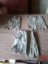Glovers Leather work  (size-Small)  Per Pair. in Fort Campbell, Kentucky