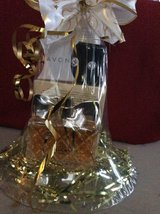 LUCK FRAGRANCE BASKET W/EARRINGS in Fort Bragg, North Carolina