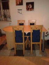 Dining table and 4 chairs in Grafenwoehr, GE