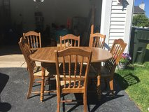 Kitchen table with 6 chairs and a leaf in Naperville, Illinois