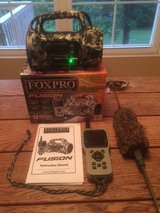 FOXPRO Fusion Electronic Game 1000 Remote Control Call + Mojo Outdoors Critter Decoy in Fort Leonard Wood, Missouri