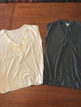Women's size S loft & old navy sleeveless tops in Perry, Georgia